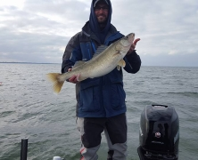 blue-dolphin-walleye-customer-2015-1