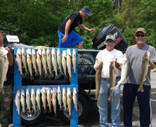 blue-dolphin-walleye-customer-2015-35