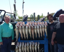 blue-dolphin-walleye-customer-2015-43