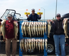 blue-dolphin-walleye-customer-2015-48