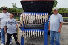 blue-dolphin-walleye-charter-customer-1
