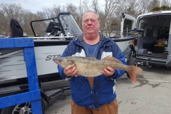 blue-dolphin-walleye-charter-customer-50
