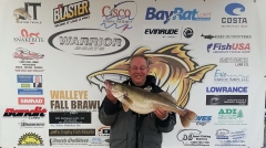 Fall-Brawl-Nov26-Big-Fish-Zart-2